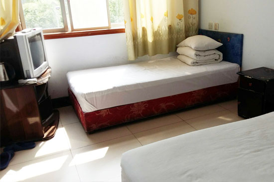 0.9Mx2M single bed two worlds